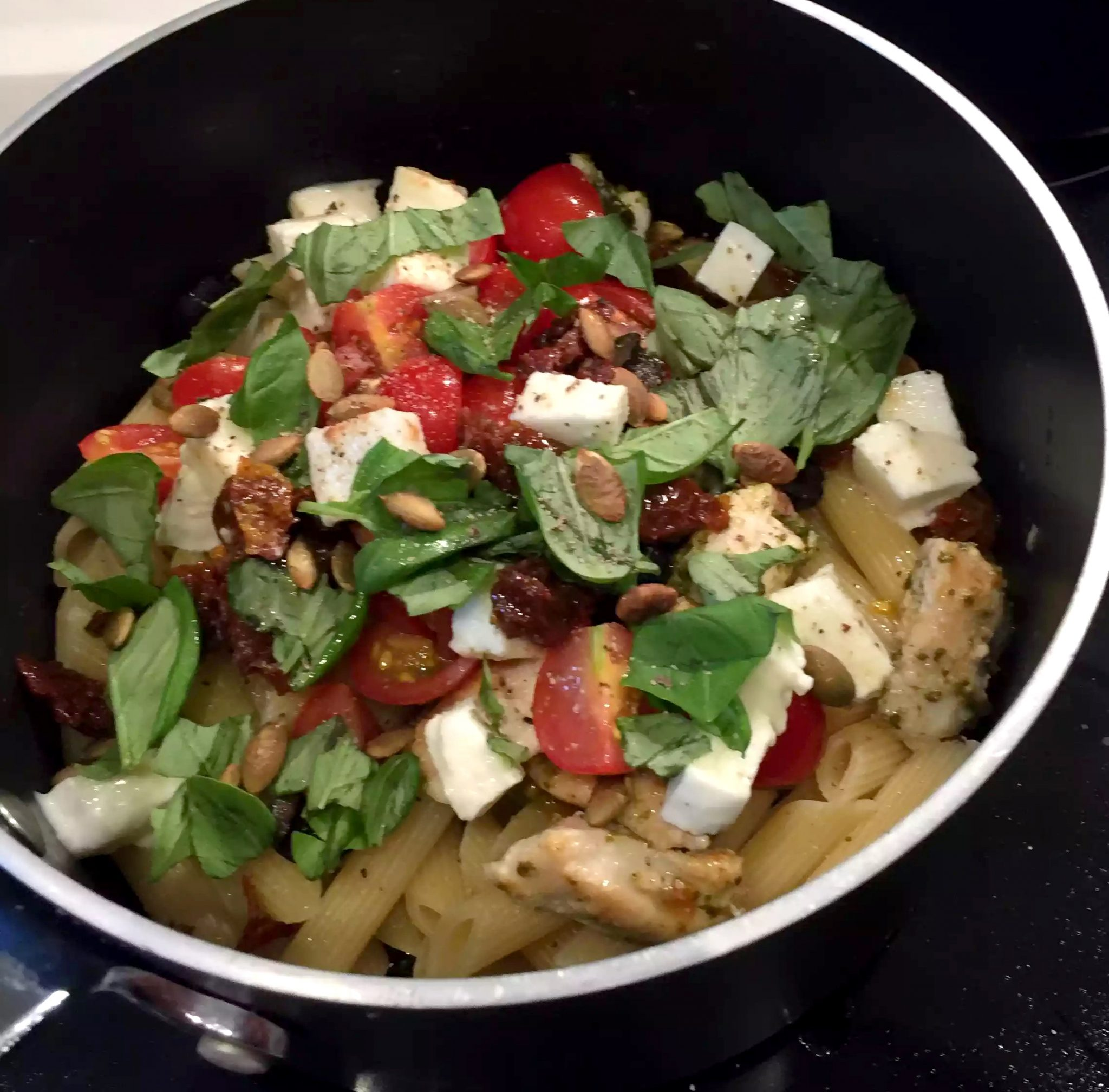 Caprese Chicken 'Pasta' Courgette Spaghetti Healthy Spiraliser Courgetti Spiralised Zucchini Mozzarella Tomatoes Cherry Sundried Olives Black Basil Pumpkin Seeds Italian SCD Paleo Clean Eating