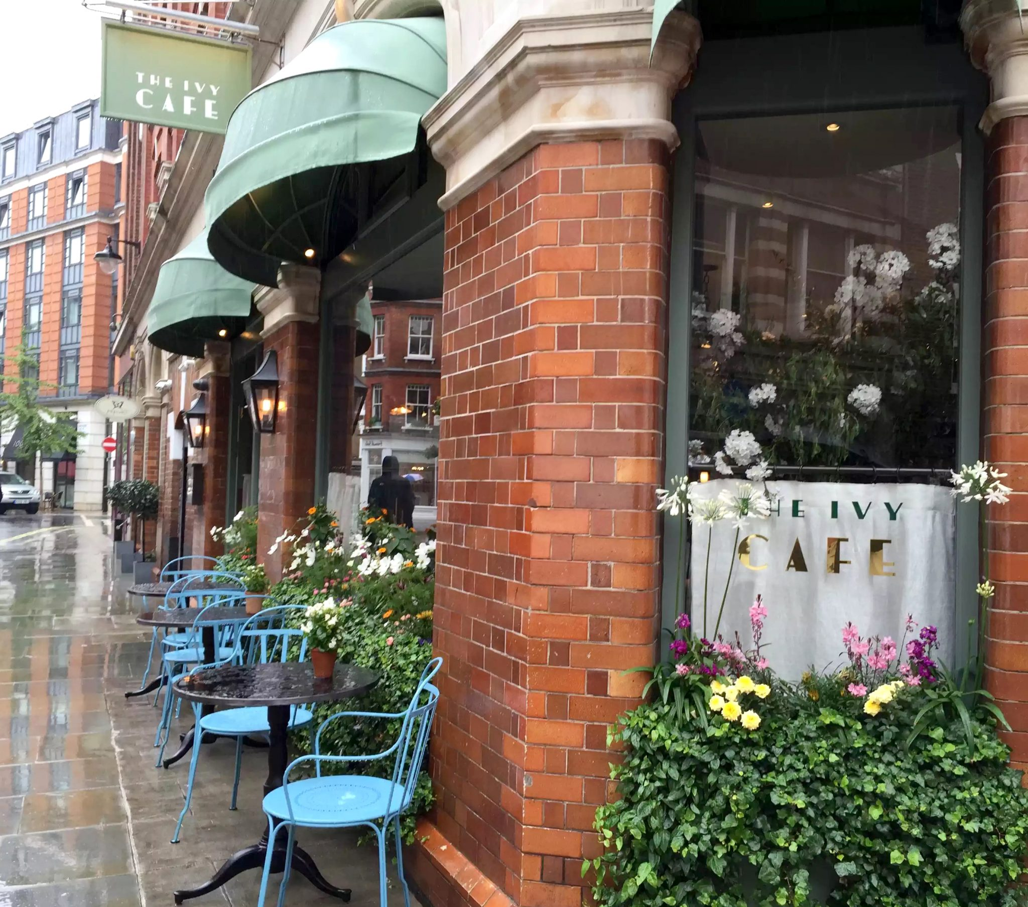 Ivy Cafe Restaurant Review Marylebone London Lunch Exterior
