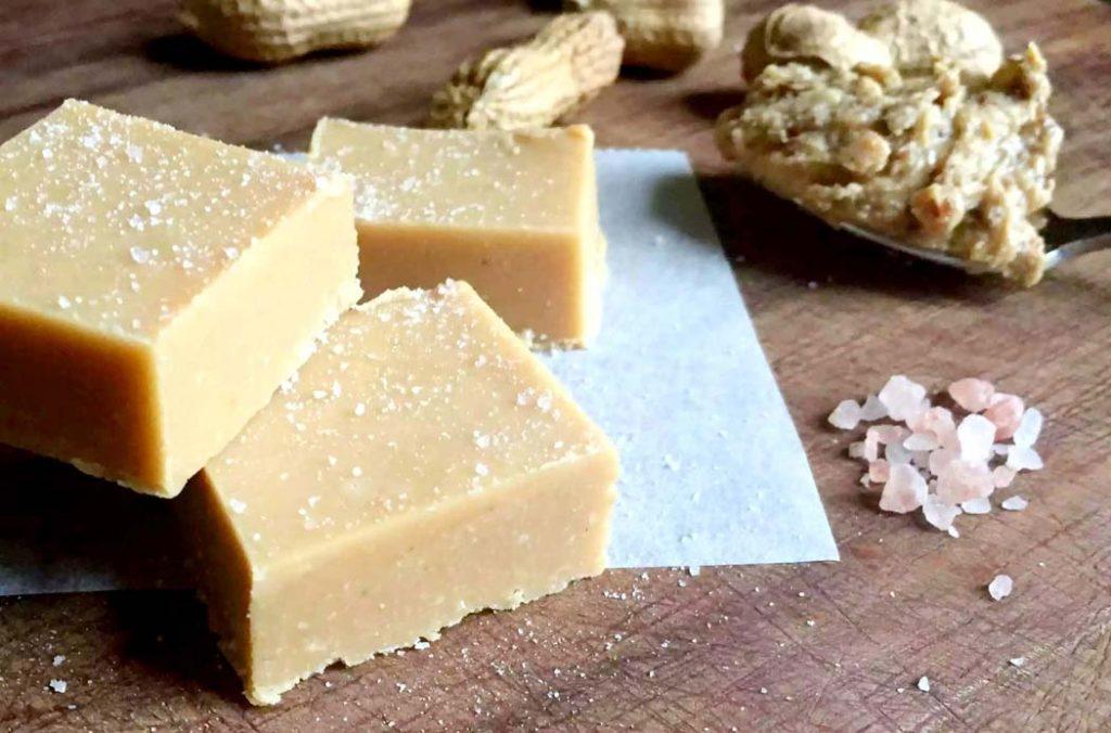 Healthy Peanut Butter Fudge by Emma Eats & Explores - Grainfree, Glutenfree, Refined Sugarfree, Dairyfree, Paleo, SCD & Vegetarian