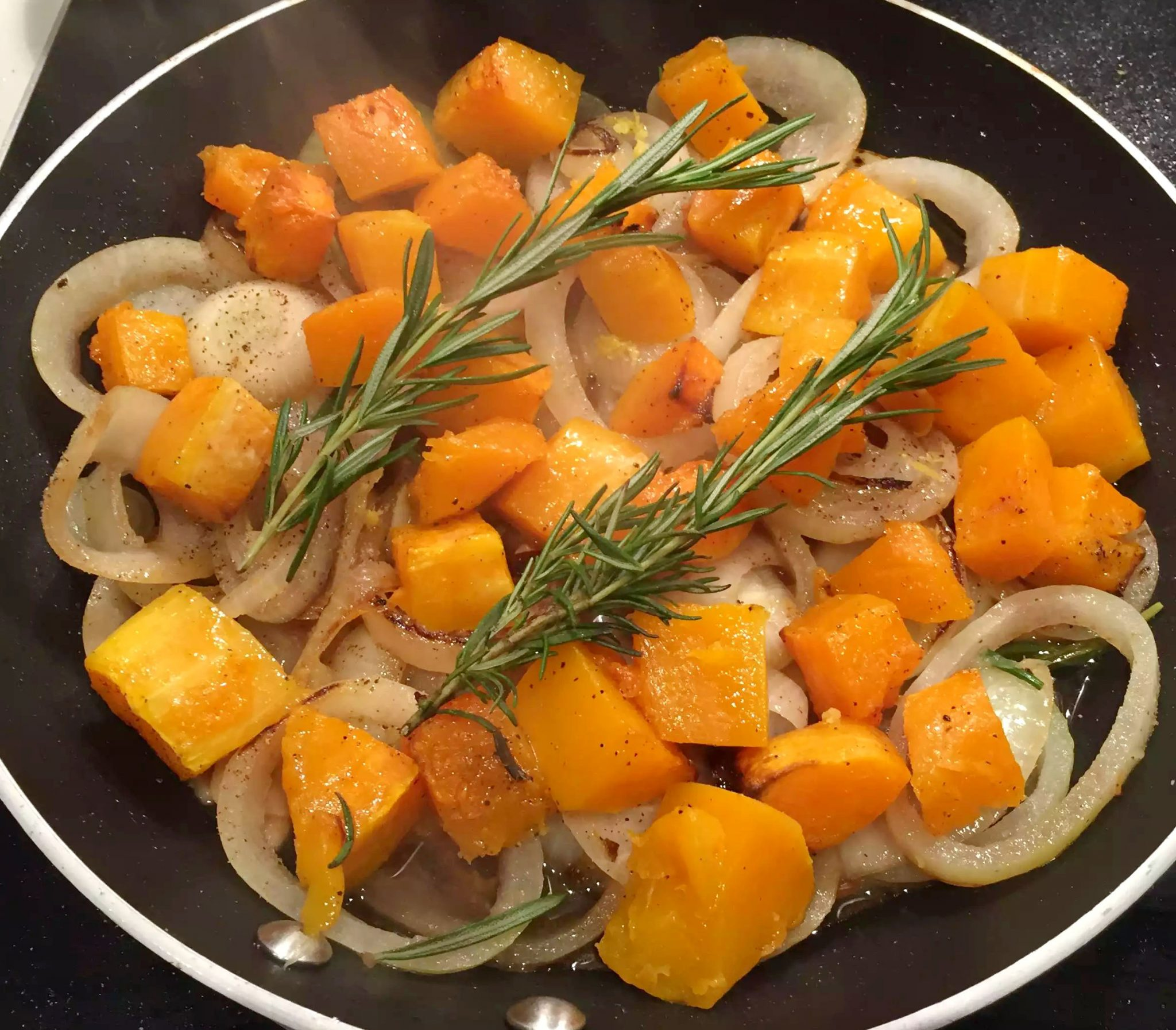 Chicken in a Lemon, Rosemary & White Wine Sauce - Emma ...