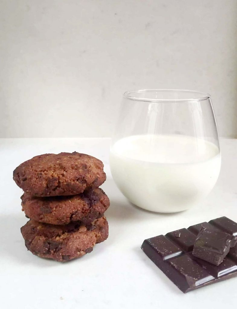 Chewy Chocolate Chip Cookies by Emma Eats & Explores - Grain-Free, Gluten-Free, Refined Sugar-Free, Paleo