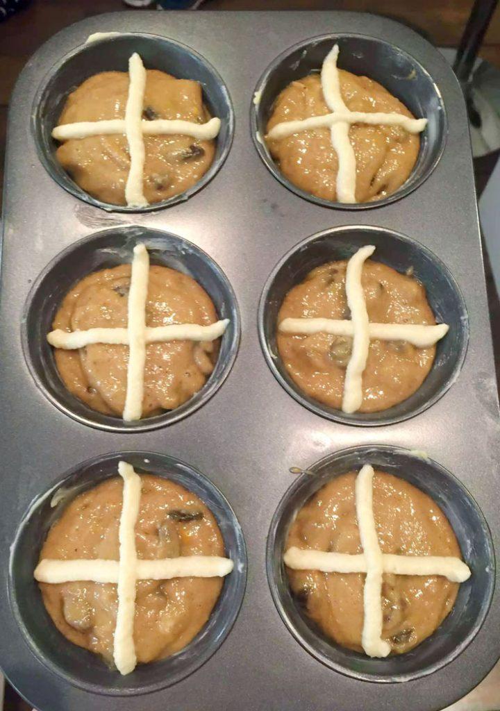 Hot Cross Bun Muffins by Emma Eats & Explores - Grainfree, Glutenfree, Refined Sugar-Free, Paleo, SCD, Vegetarian