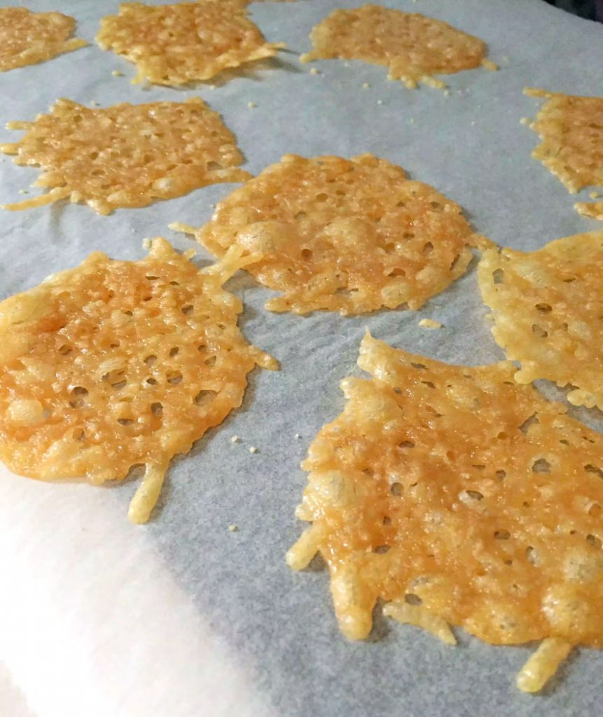 Parmesan Crisps by Emma Eats & Explores - SCD, Paleo, Grainfree, glutenfree, Low Carb, LCHF, SugarFree
