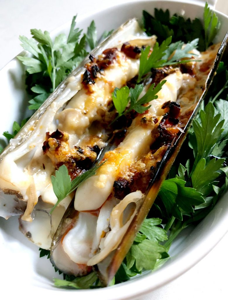 Gratinated Razor Clams with Parmesan & Chorizo by Emma Eats & Explores - Glutenfree, Grainfree, Refined SugarFree, Paleo, SCD & Low Carb