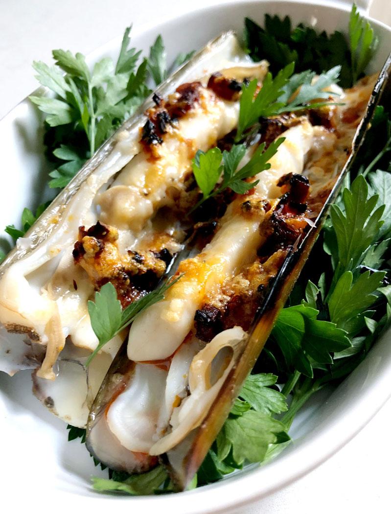 Gratinated Razor Clams with Parmesan & Chorizo by Emma Eats & Explores - Glutenfree, Grainfree, Refined SugarFree, Paleo, SCD & Low Carb